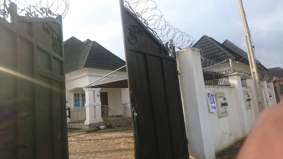 Fully Furnished Bungalow by GRA Benin City for Sale